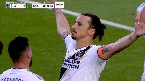 Zlatan Ibrahimovic fusila al portero desde el manchón penal y LA Galaxy ya gana 1-0 a Portland
