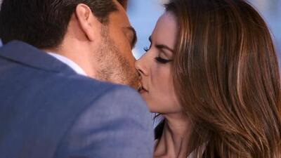 Victoria y Adrián se besaron por primera vez