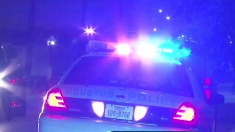 Un joven de 15 años de edad es baleado en el abdomen en Houston