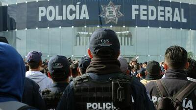 Seis claves que explican por qué la policía mexicana se rebeló durante una semana contra el gobierno de AMLO