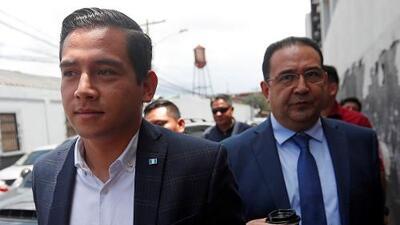 Un tribunal absuelve al hijo y al hermano del presidente Jimmy Morales por un caso de fraude