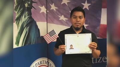 """""""Es un sueño"""": inmigrante celebra su primer 4 de julio tras convertirse en ciudadano de EE.UU."""