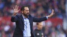 Pablo Machín es destituido del Sevilla; Joaquín Caparrós asume el cargo