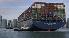 Llega al puerto de Miami la embarcación más grande que haya atracado en su historia