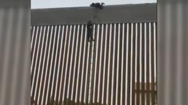 En video: Inmigrante pasa a EEUU por el muro fronterizo que Trump considera imposible de escalar