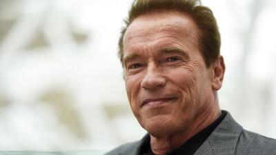 Arnold Schwarzenegger sufre la persecución de un elefante