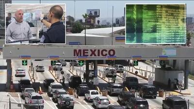 Datos y fotografías de miles de personas que viajan hacia o desde Estados Unidos están en peligro de ser vendidos