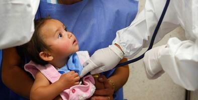 Cuida a tus niños en esta temporada de influenza. Un pequeño ya murió en Chicago debido a esta enfermedad