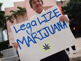 Empezando de cero: cómo los latinos se beneficiarían de reformas a las leyes de marihuana