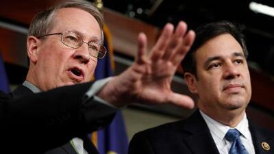 Republicanos reviven proyecto de ley que legaliza a los dreamers, pero pone a 9 millones en la mira de ICE