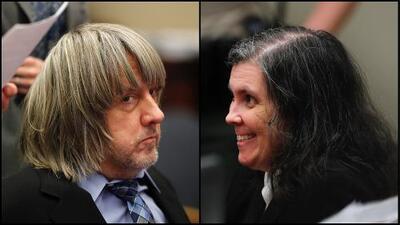 Prohíben tener contacto con sus 13 hijos a los padres de 'la casa del horror' de California