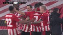 ¡La cuelga en el ángulo! Zahavi demuestra su peligro y hace el 2-0 del PSV
