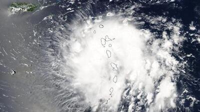 Tensión y preocupación en Puerto Rico por la cercanía de la tormenta Dorian a la isla