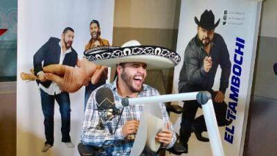 Gerardo Ortiz cantó Mariachi con La Bronca