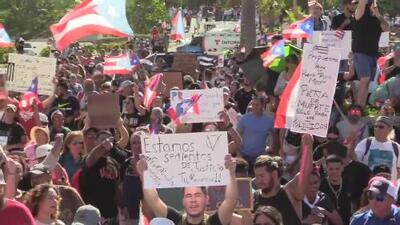 Miles de personas listas para marchar desde el Capitolio hasta Fortaleza para pedir la renuncia de Rosselló