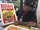 Un búho chicano que enseña a los niños hispanos a leer en inglés y en español