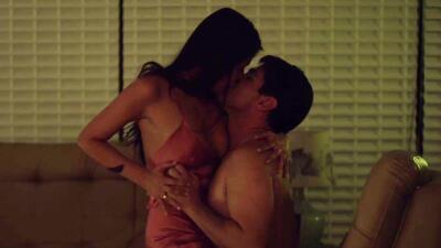 'El Chapo' y Elba viven una candente noche de pasión