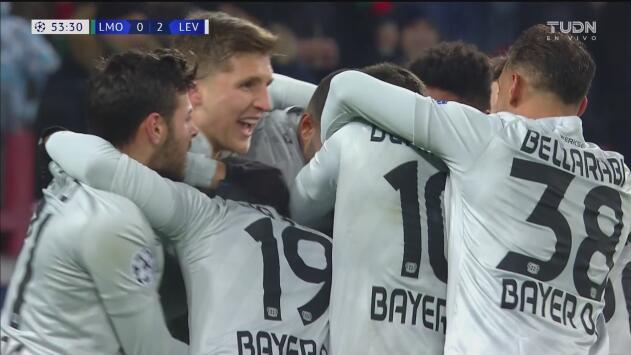 ¡Remate impecable para un golazo! Bender le da tranquilidad al Leverkusen con el 2-0