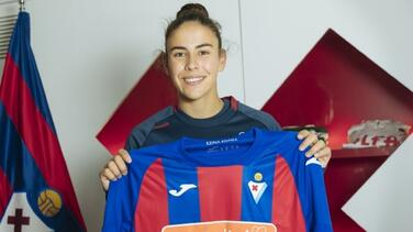 ¡Orgullo! Mexicana es firmada por el Eibar de España