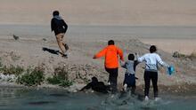 """""""Se lo llevó la corriente"""": niño de 8 años muere al intentar cruzar la frontera junto a otros inmigrantes"""