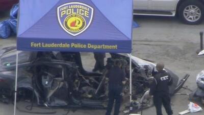 Informe de accidente fatal de dos jóvenes en un Tesla concluye que el auto era conducido a más de 110 mph