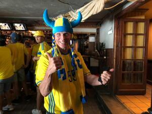 Invasión vikinga en Madrid: fanáticos suecos viven la fiesta del duelo contra España