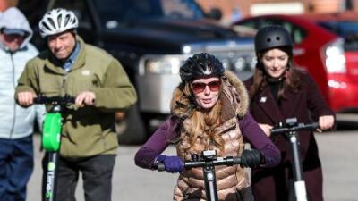 Cómodos y rápidos pero también contaminantes: por qué los scooters eléctricos no son tan buenos para el medio ambiente