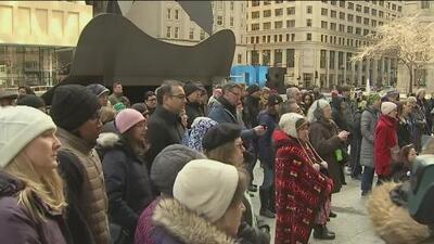 Residentes de Chicago se unen en vigilia por las víctimas de la masacre en mezquitas de Nueva Zelanda