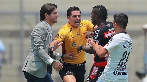 Suspensión a Bruno Marioni: el DT de Pumas no podrá estar contra Cruz Azul en el Azteca
