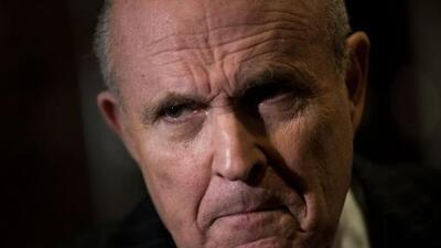 Giuliani afirma que conversaciones sobre la Torre Trump en Moscú continuaron hasta la elección en 2016