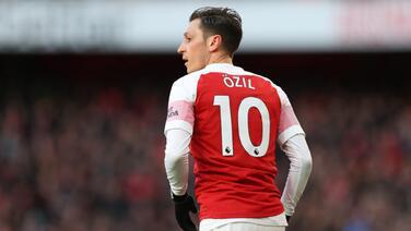 Mesut Özil quiere hacer un Gareth Bale en el Arsenal