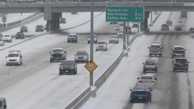 Cancelan más de 425 vuelos por tormentas de nieve en Colorado
