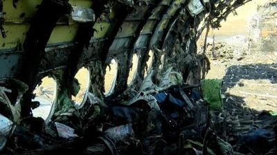 La tragedia del avión ruso: un rayo, depósitos llenos y pasajeros dificultando la evacuación