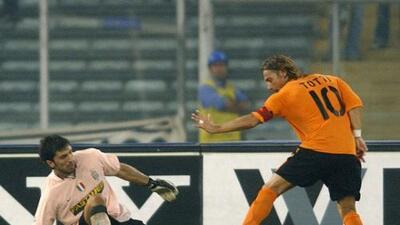 Totti despidió a Buffon con un emotiva carta, pero también lo trollea de lo lindo