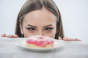 Con esta dieta vas a comer grasa y de paso adelgazarás más rápido