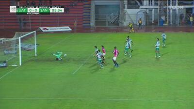 ¡Ágil reacción de Carlos Acevedo! Se salva Santos