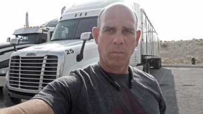 Medio año trabajando en EEUU y otro medio disfrutando en su isla: así vive este camionero cubano repatriado