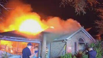 Padre e hija, en estado crítico tras quedar atrapados en su vivienda en llamas en el área de Cypress
