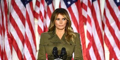 Melania Trump no ataca a Biden y el presidente mezcla labores del gobierno con su campaña en la Convención Republicana