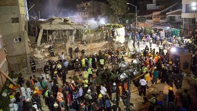 ¿Es bueno o no que llueva durante las labores de rescate por el terremoto en México?