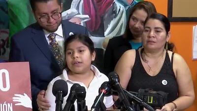 """""""No quiero dejar a mi familia"""": niña de 11 años que enfrenta la deportación por un supuesto error"""