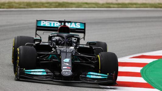 Hamilton gana una gran GP de España; 'Checo' Pérez es quinto