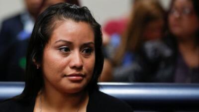 Absuelven a Evelyn Hernández, la joven salvadoreña que fue violada y acusada de matar a su bebé que nació muerto