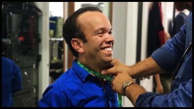 No te pierdas el derroche de elegancia que Carlitos 'el productor' lucirá en Premio Lo Nuestro