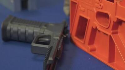 'Armas fantasmas': estos son los artefactos caseros imposibles de rastrear que se han vuelto populares en California