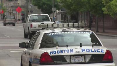 Estudiantes tendrán que tomar curso para saber cómo interactuar con oficiales en una parada de tráfico