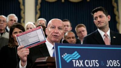 Una de cada cuatro familias hispanas pagará más impuestos con el plan republicano