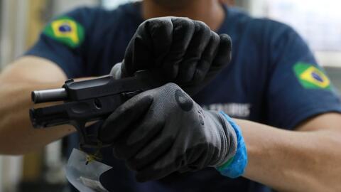 """Bolsonaro flexibiliza la tenencia de armas a los """"ciudadanos de bien"""" en Brasil"""
