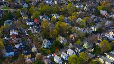 Por qué los hogares están perdiendo sus jardines en EEUU