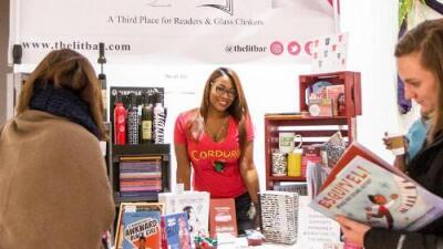 La latina que busca darle una librería a la comunidad de El Bronx en Nueva York